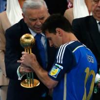 Messi recibe un polémico premio al Mejor Jugador del Mundial