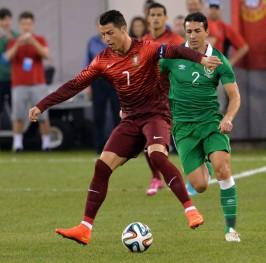 Un Cristiano en buena forma guía a Portugal a la victoria