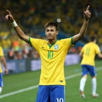 Brasil comienza ganando con polémica